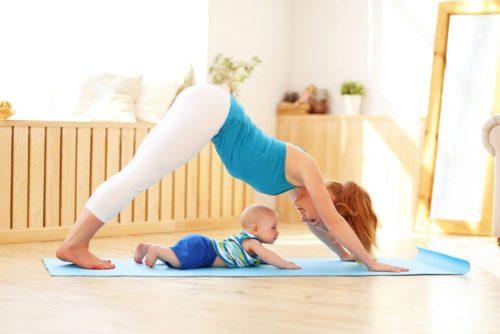 Физическая нагрузка для мамы с малышом