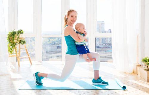 Упражнения мамы с малышом