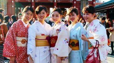Праздник девушек в Японии