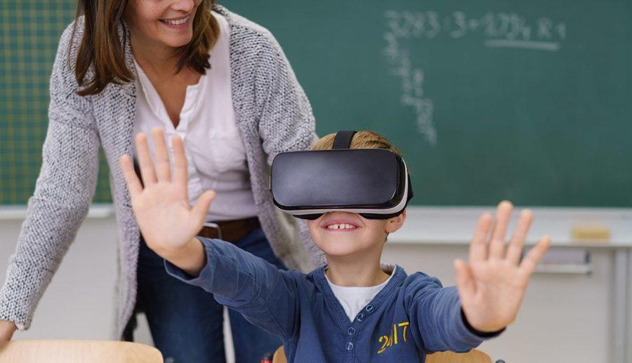 Школьник и виртуальная реальность