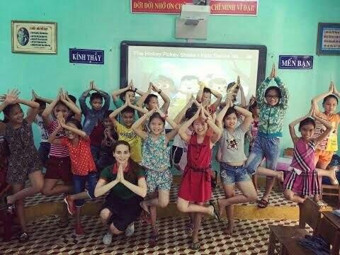 Занятие с вьетнамскими детьми