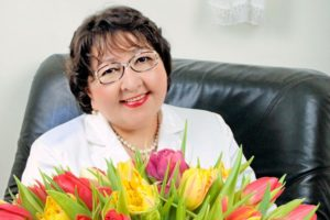 "Роза Яппарова, директор театра кукол ""Экият"""
