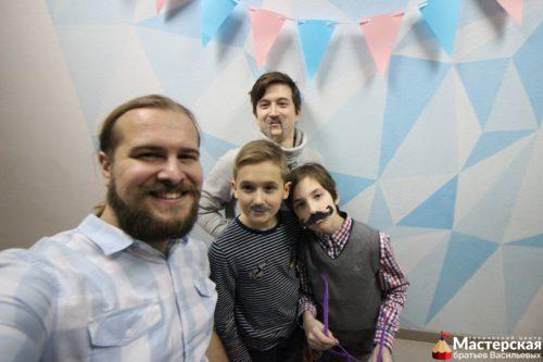 Роман Васильев с ребятами