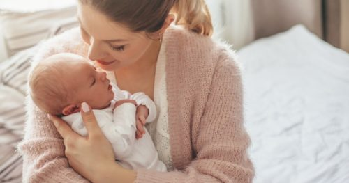 Мама и новорожденный малыш