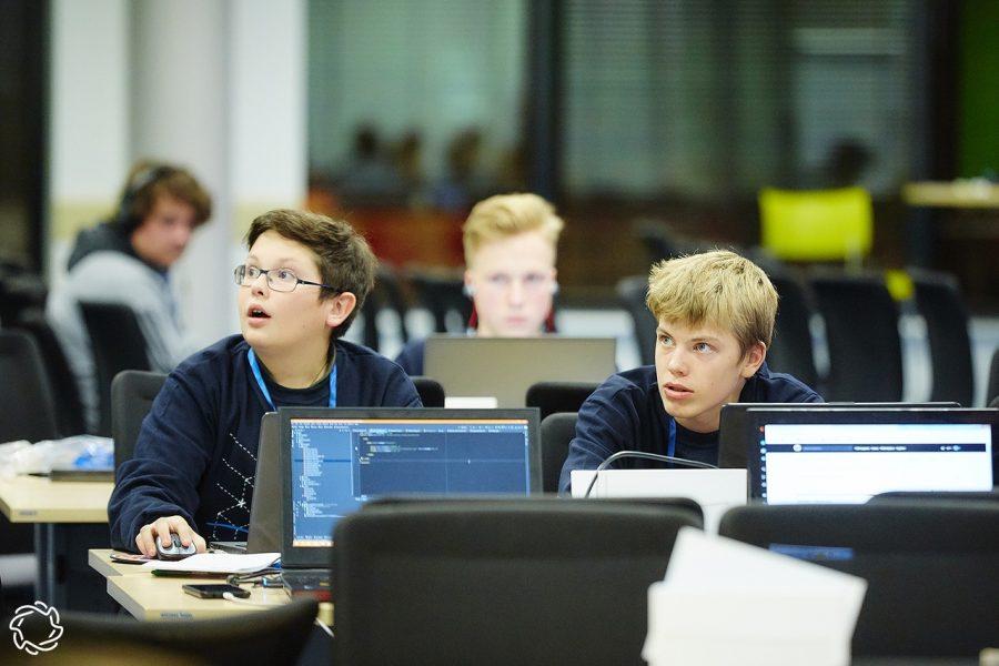 Школьники программисты